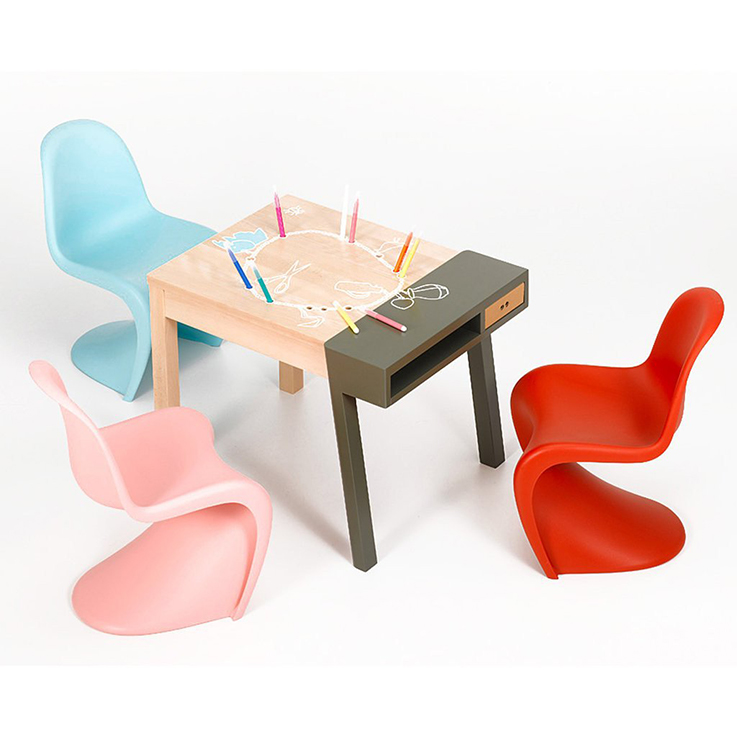 Chaise enfant pantone vitra les enfants du design for Les enfants design