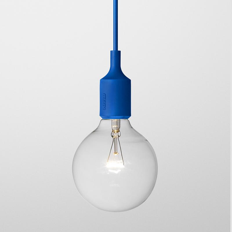 Suspension e27 bleu muuto pour chambre enfant les enfants du design for Luminaire multi suspension colore enfant