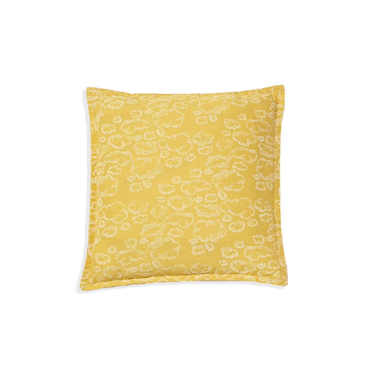 petit coussin carré bébé nuages - moutarde sweetcase pour chambre