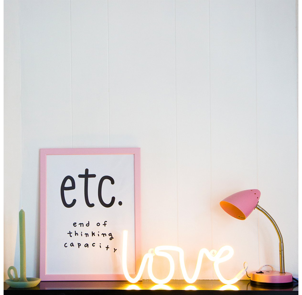 Neon A Accrocher Au Mur lampe murale néon love - jaune