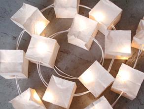 dans cette rubrique retrouvez notre slection de luminaires design enfant de la guirlande lumineuse la veilleuse pour la chambre de votre bb - Guirlande Electrique Bebe