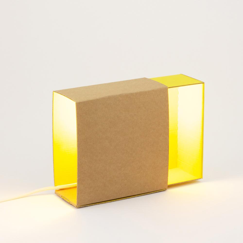 Lampe bo te lumi re jaune adonde pour chambre enfant les enfants du design - Les enfants du design ...