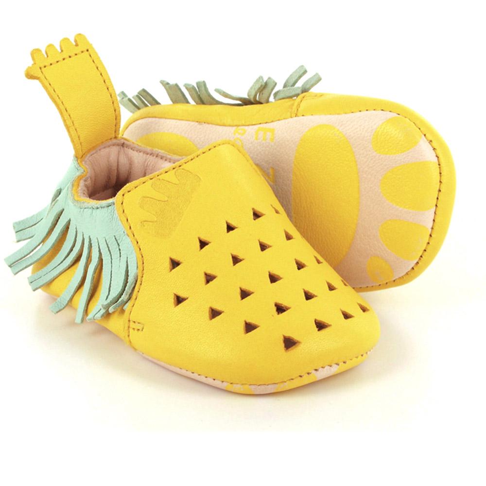 chaussons blumoo ananas jaune easy peasy pour chambre enfant les enfants du design. Black Bedroom Furniture Sets. Home Design Ideas