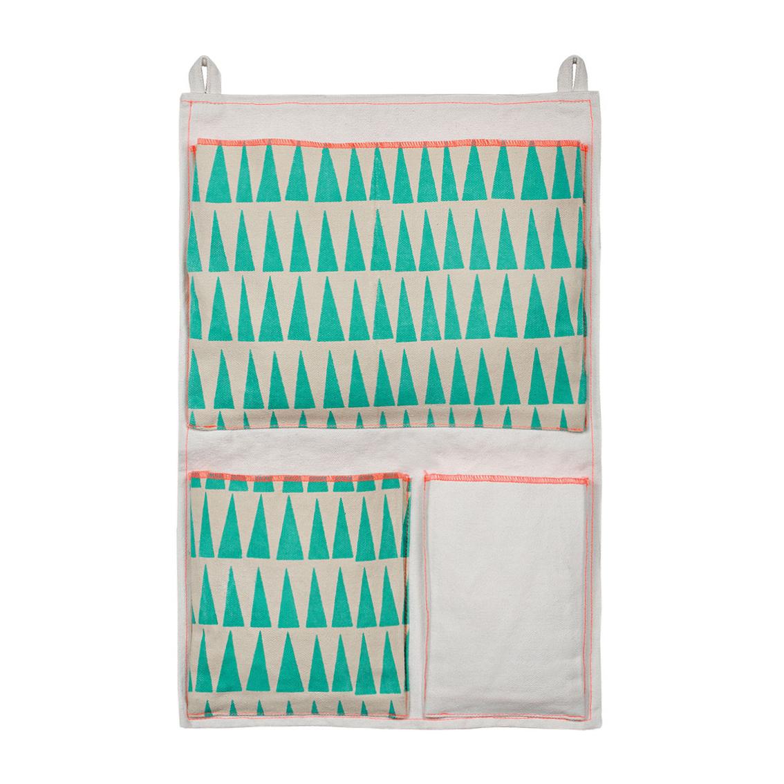 Pochette murale triangles mimilou pour chambre enfant - Rangement pochette murale ...