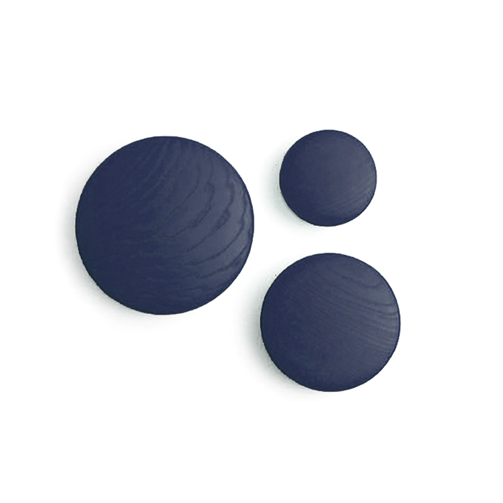 pat re the dots bleu marine muuto pour chambre enfant les enfants du design. Black Bedroom Furniture Sets. Home Design Ideas