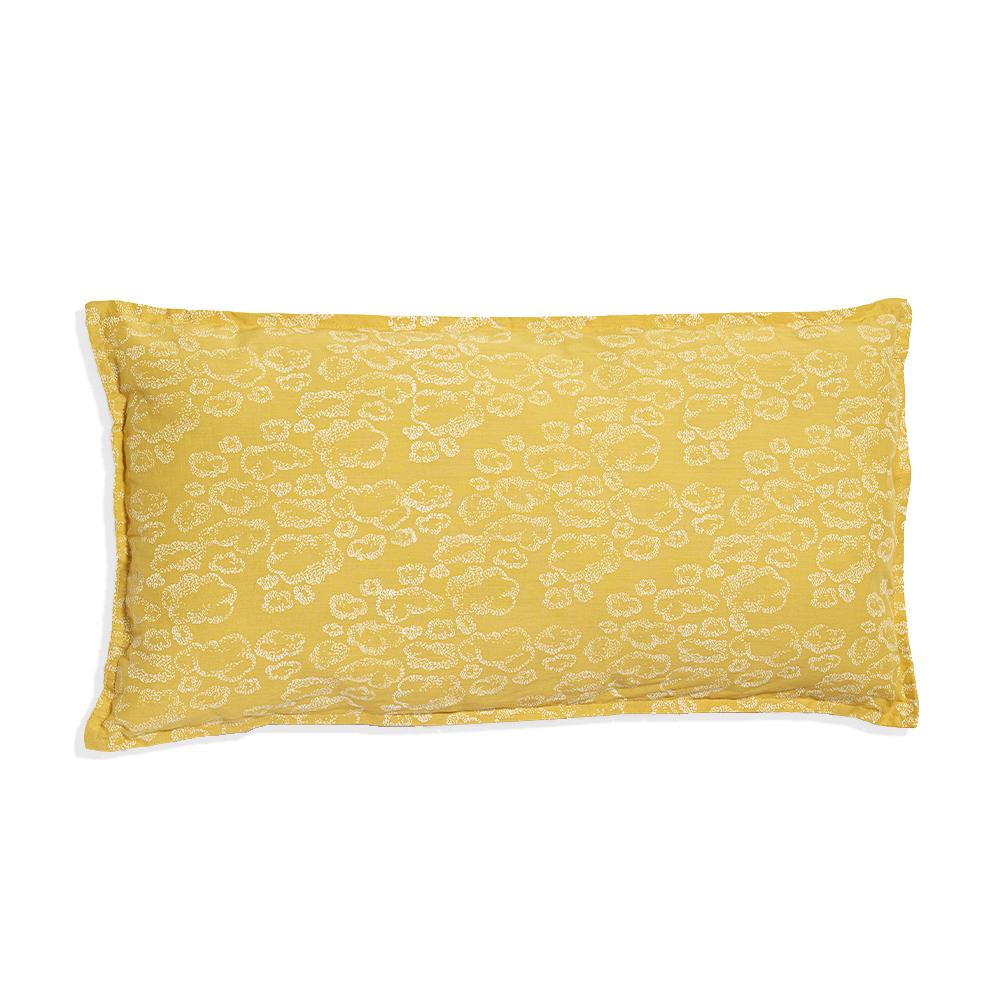 petit coussin long b b nuages moutarde sweetcase pour chambre enfant les enfants du design. Black Bedroom Furniture Sets. Home Design Ideas