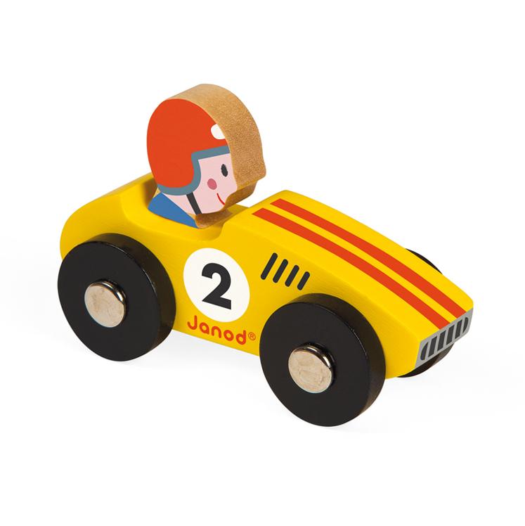 voiture en bois racer jaune janod pour chambre enfant les enfants du design. Black Bedroom Furniture Sets. Home Design Ideas