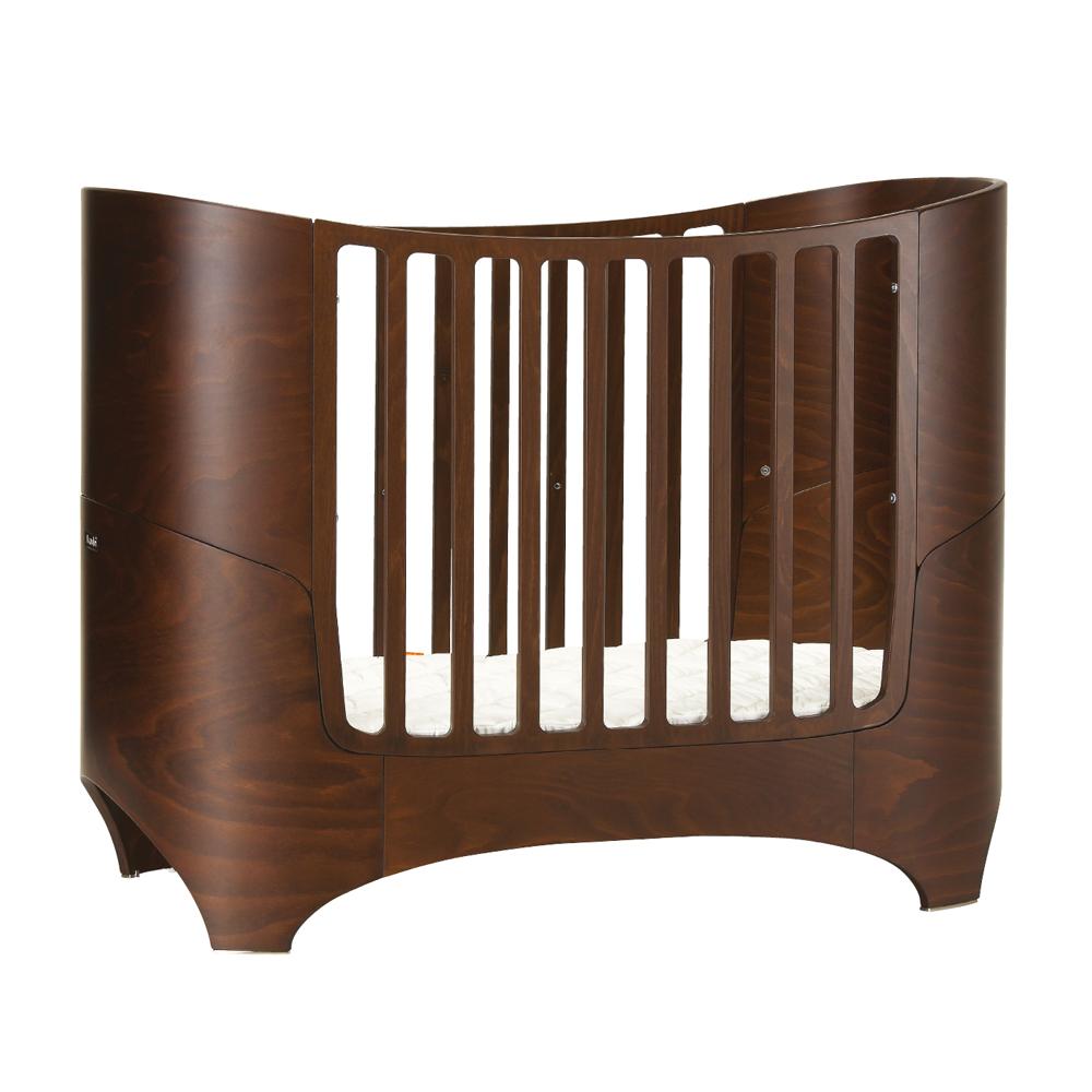 lit volutif leander de 0 8 ans noyer leander pour chambre enfant les enfants du design. Black Bedroom Furniture Sets. Home Design Ideas