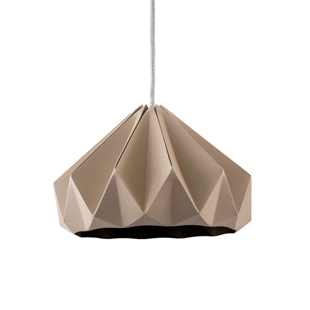 Suspension origami chestnut taupe studio snowpuppe pour for Suspension chambre