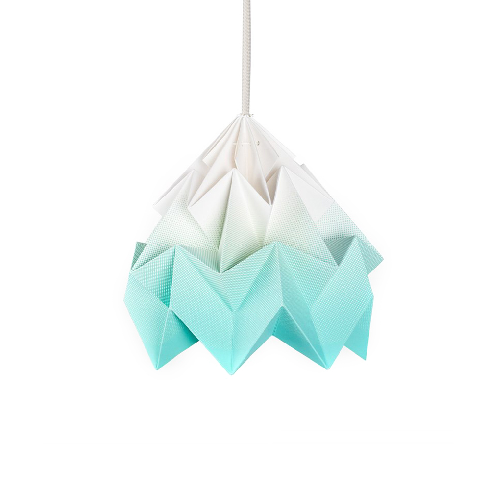 petite suspension origami moth gradient turquoise studio snowpuppe pour chambre enfant les. Black Bedroom Furniture Sets. Home Design Ideas