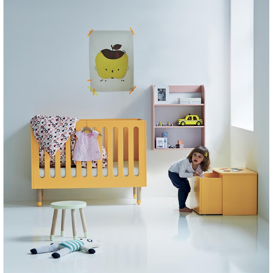 Lit bébé à barreaux   jaune or flexa play pour chambre enfant ...