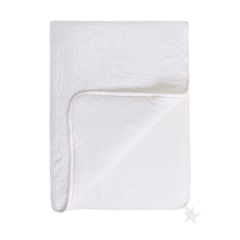 plaid broderie anglaise marshmallow jack n 39 a qu 39 un oeil pour chambre enfant les enfants du. Black Bedroom Furniture Sets. Home Design Ideas
