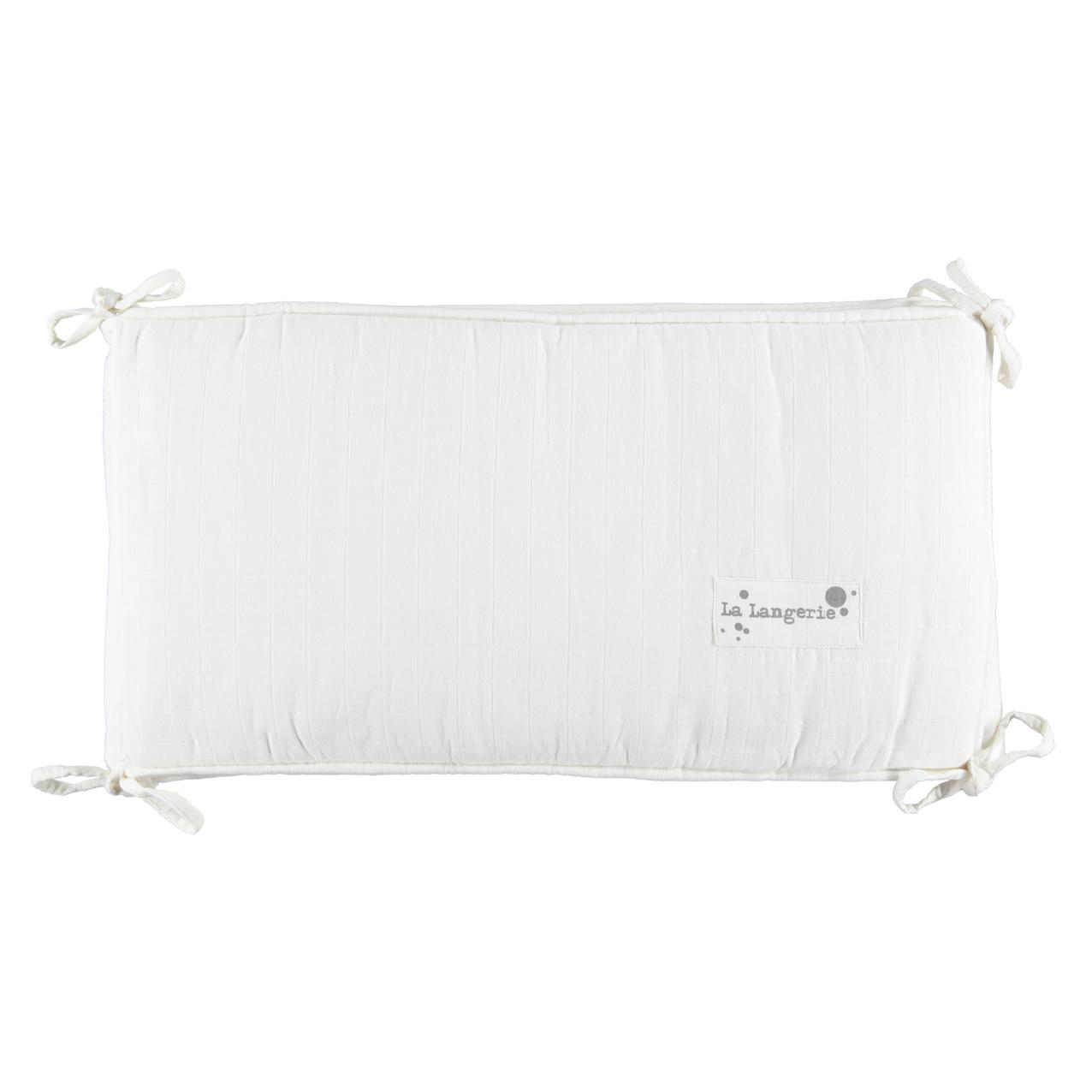 tour de lit blanc lait la langerie pour chambre enfant les enfants du design. Black Bedroom Furniture Sets. Home Design Ideas