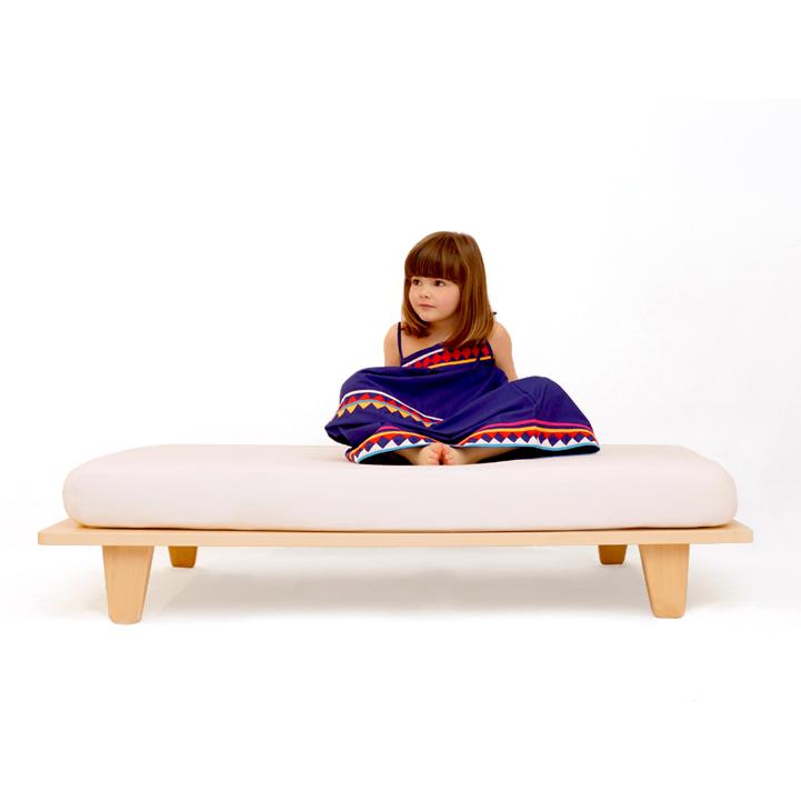 lit junior mum and dad factory pour chambre enfant les enfants du design. Black Bedroom Furniture Sets. Home Design Ideas