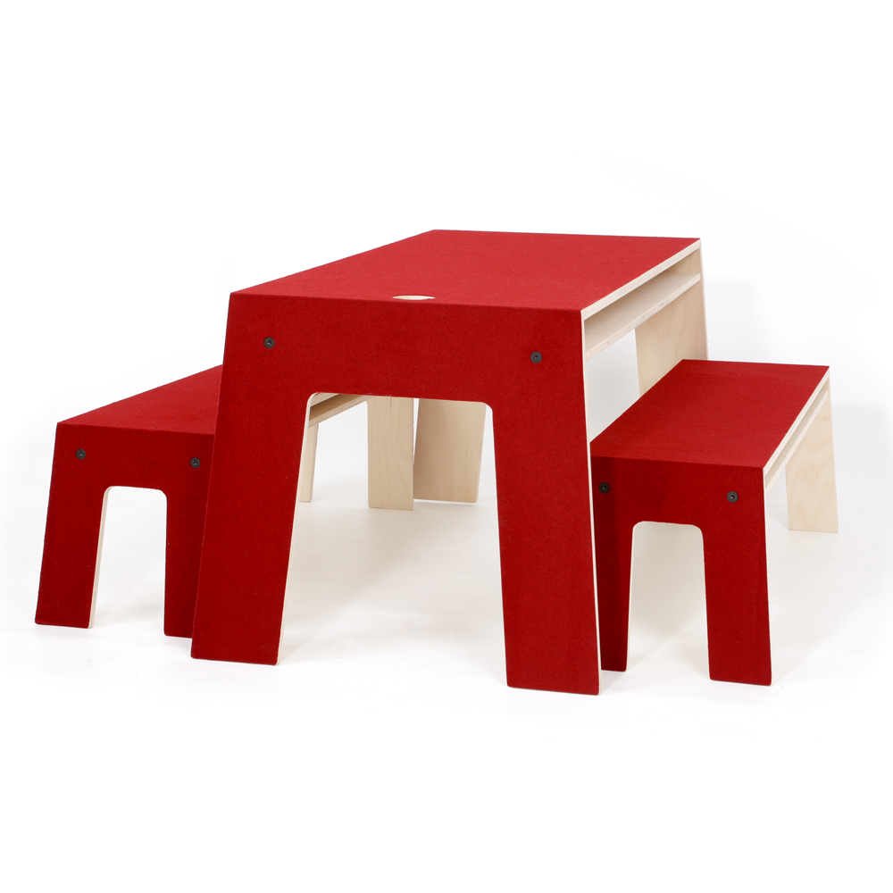 table oskar rouge perludi pour chambre enfant les enfants du design. Black Bedroom Furniture Sets. Home Design Ideas