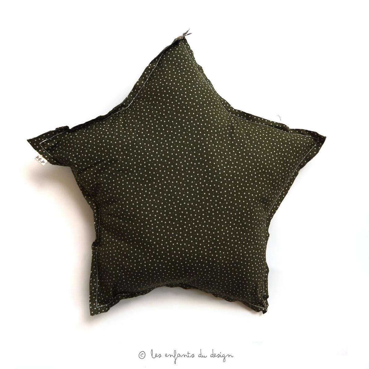 coussin etoile stars kaki num ro 74 pour chambre enfant les enfants du design. Black Bedroom Furniture Sets. Home Design Ideas