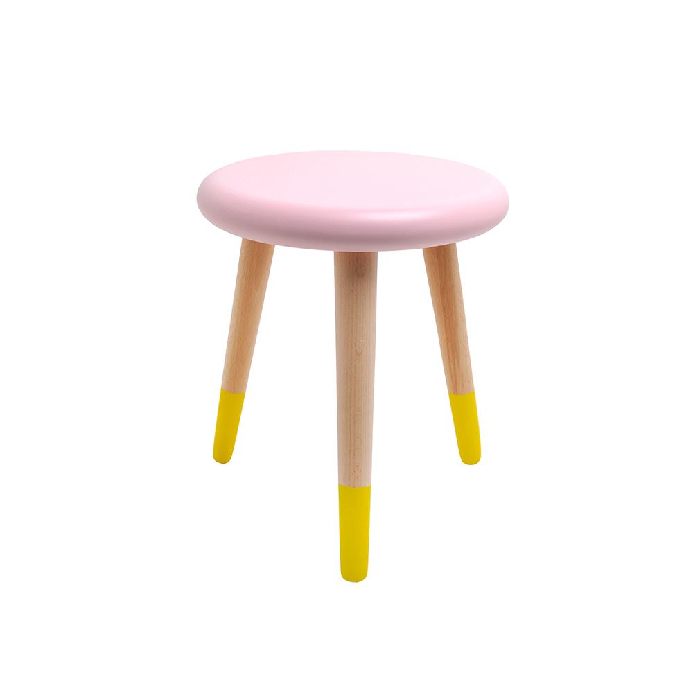 tabouret enfant alice rose poudr rose in april pour. Black Bedroom Furniture Sets. Home Design Ideas