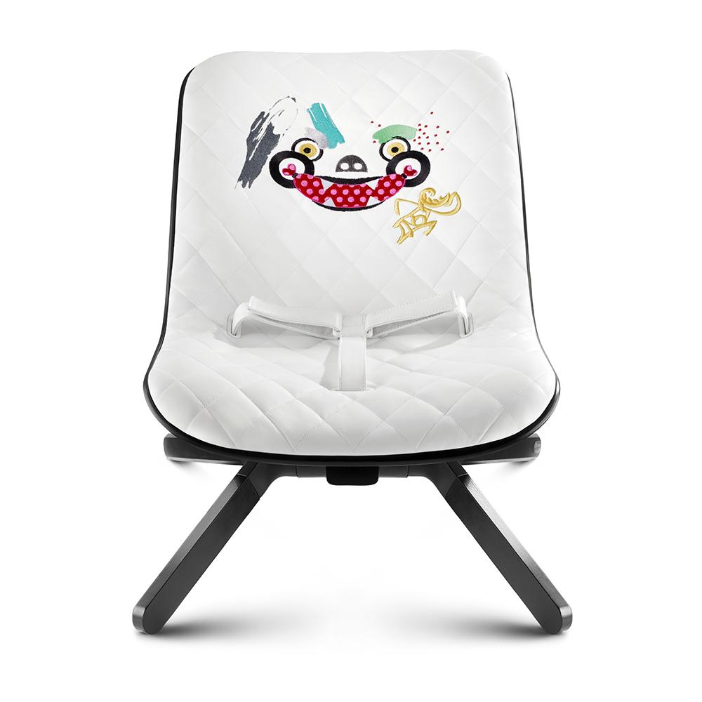 transat b b love graffiti blanc cybex pour chambre enfant les enfants du design. Black Bedroom Furniture Sets. Home Design Ideas