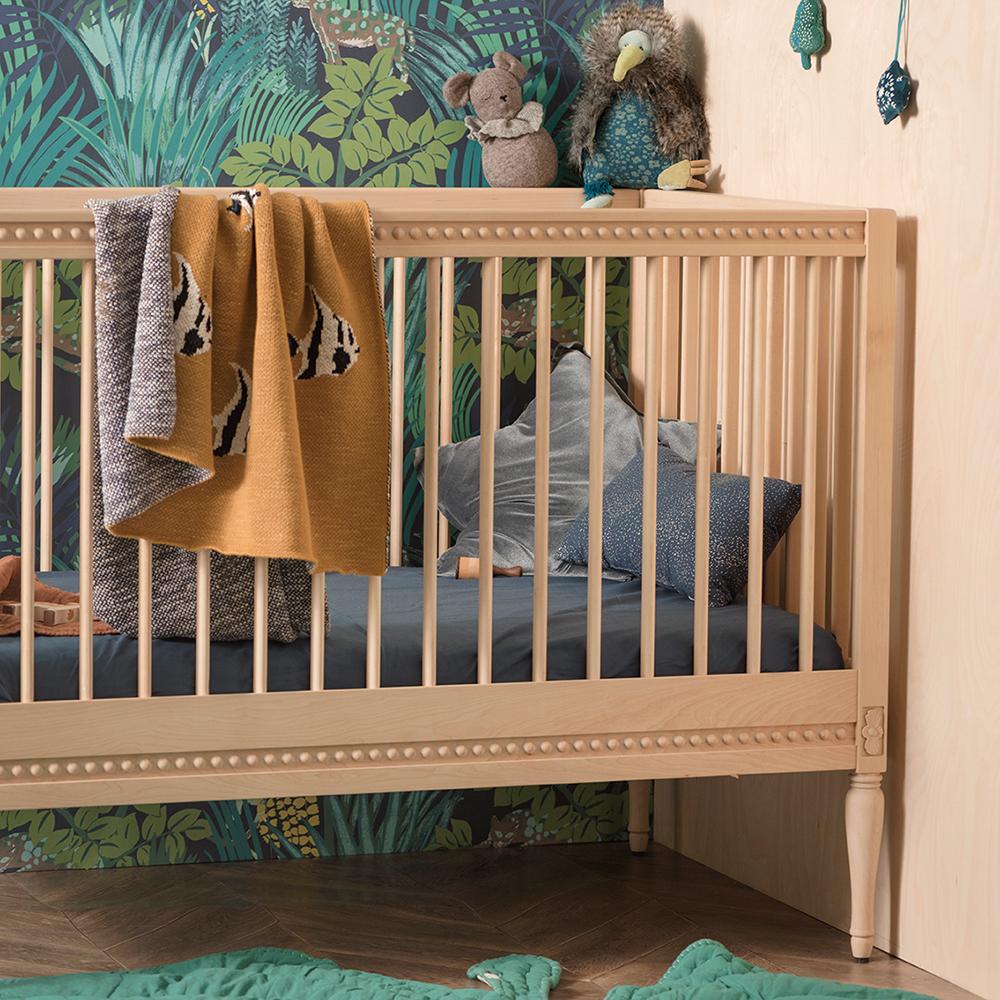 lit b b volutif et son matelas bouleau gustavienne. Black Bedroom Furniture Sets. Home Design Ideas